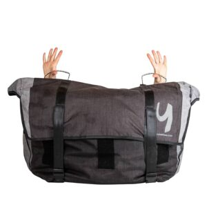 yuba_bikes_add_ons_go_getter_bag_closed_hands_1
